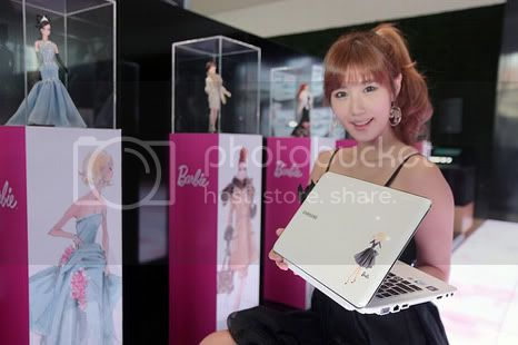 Samsung X180 Special Edition 2: Samsung Barbie Notebook for those of you who like Barbie dolls