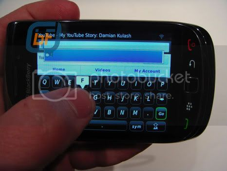 BlackBerry Bold 9800: touch screen, QWERTY and OS 6
